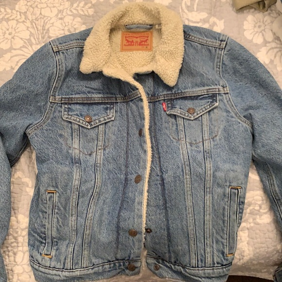 Sheep fur lined Levi's denim jacket
